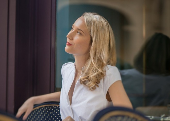 Australian Singer-Pianist Sarah McKenzie, in NYC, is Thinking About Paris and San Francisco (DownBeat, Sept. 2018)